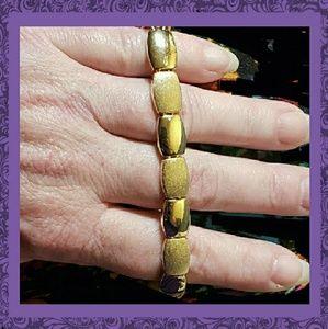 """Vintage Signed Napier Gold Tone 7 1/2"""" Bracelet"""